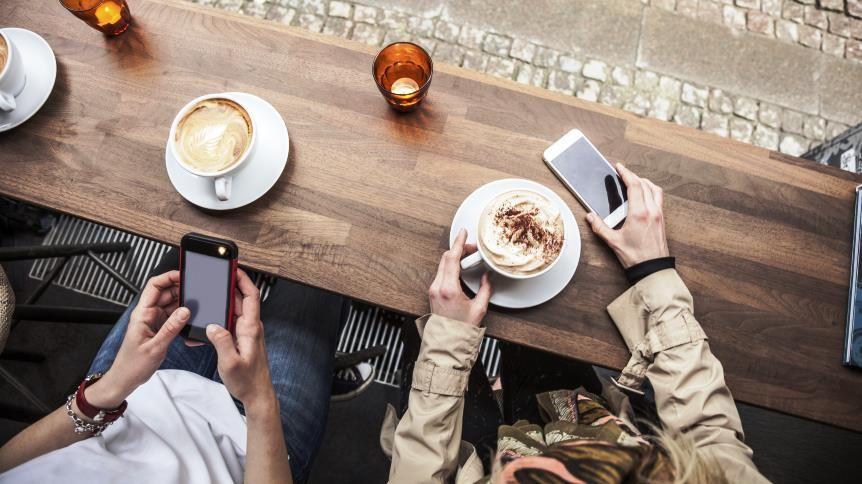 Cafe patrons